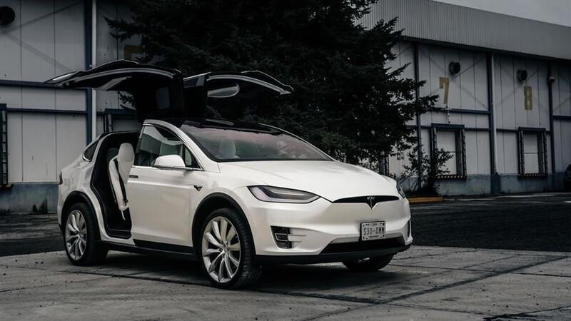 Tesla ofrecerá su sistema de conducción autónoma bajo demanda a partir de junio
