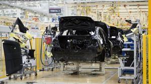 Exportación de automóviles en México registra su primer descenso anual en 10 años