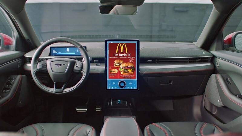 El futuro será horrible: se vienen las publicidades en los autos