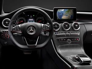 Mercedes-Benz Clase C 2015, primeras imágenes del interior