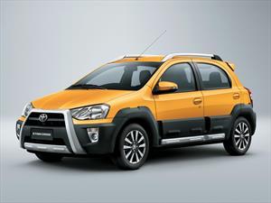Toyota presenta el nuevo Etios Cross en Argentina