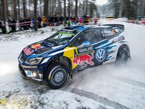 WRC: Ogier triunfa en un show de saltos en Suecia