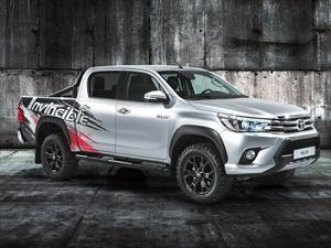 Toyota Hilux Invincible 50, festeja cinco décadas de éxito