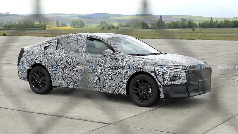 El nuevo Ford Mondeo o Fusión podría ser un Mustang de 4 puertas