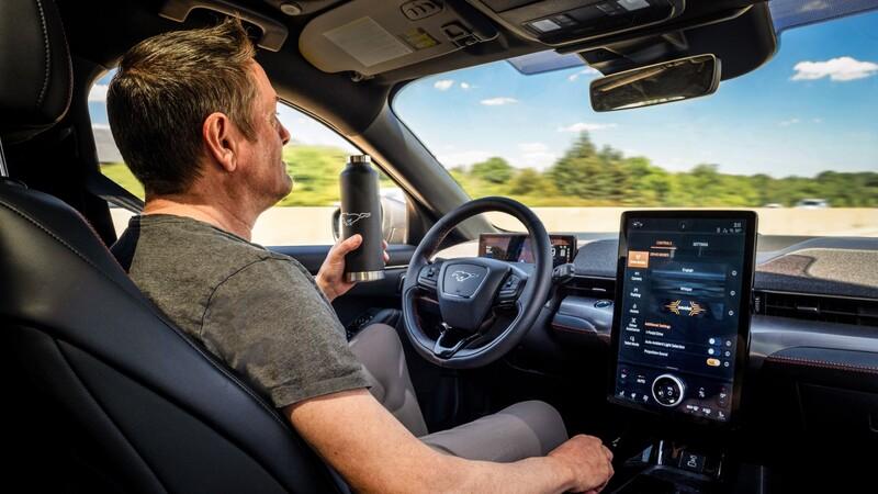 Ford incursiona en la conducción autónoma con el Mustang Mach-E