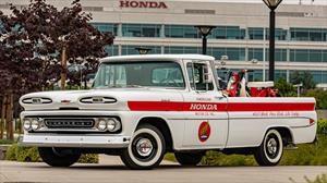 Honda celebra 60 años en Estados Unidos restaurando un pickup Chevrolet
