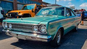 Manejamos el Plymouth Hellvedere 1967, un clásico impulsado con el motor del Hellcat