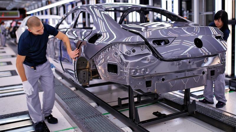 Abril registró la peor caída en ventas de autos desde la Segunda Guerra Mundial