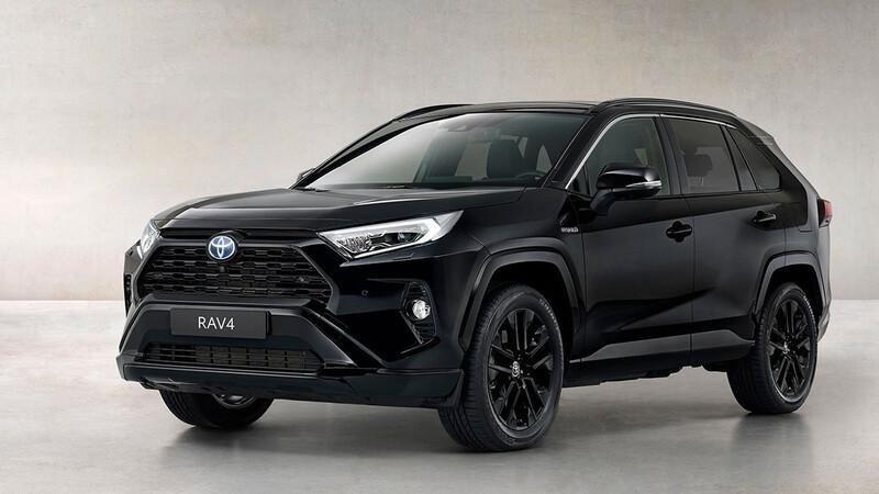 Toyota RAV4 Hybrid Black Edition 2021, el lado más oscuro y elegante del utilitario