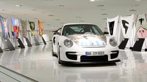 Cofres de Porsche 911 GT2 transformados en obras de arte