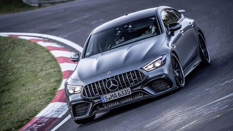El Mercedes-AMG GT 63 S le pone las cosas claras al Porsche Panamera en Nurburgring