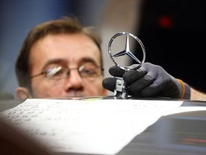 Daimler otorga un bono de $6,300 dólares a sus empleados