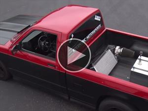 Video: Pick-up porta un turbo gigante en la parte trasera