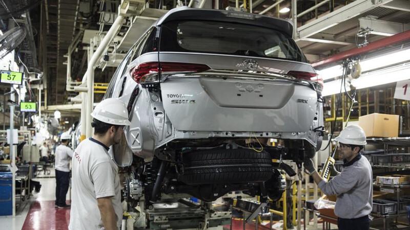 El Gobierno actualizó las escalas de los impuestos internos a los autos