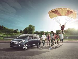 Suzuki Ertiga 2017, ahora con sistema multimedia y ayudas de estacionamiento