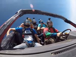 Video: Paracaidismo sobre ruedas