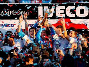 """Iveco entregó la copa """"Gaucho Rivero"""" al campeón del torneo Clausura 2012"""