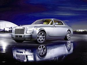 Rolls-Royce celebra récord de ventas histórico en 108 años
