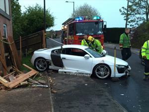 Joven de 19 años destroza Audi R8