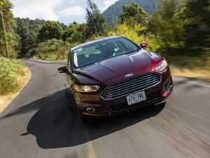 Ford Fusion Híbrido 2013 a prueba