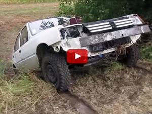 Video: Un Peugeot 205 off-road