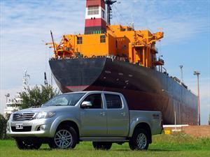 Toyota Hilux Nafta, ya se vende en Argentina