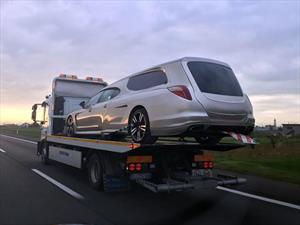 Te morís: Transformaron un Porsche Panamera en carroza fúnebre