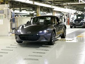 Mazda comienza a producir el MX-5 RF 2017