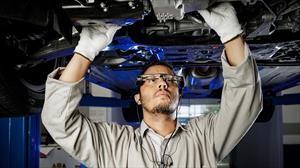 Ford lanza en Chile inédita tecnología de asistencia técnica con realidad aumentada