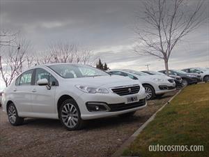 Manejamos los renovados Peugeot 308 y 408