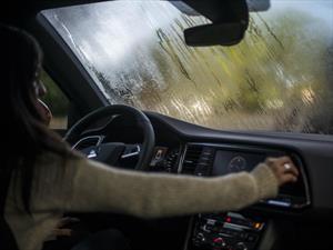 Cómo desempañar el parabrisas del automóvil