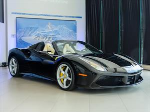 Ferrari 488 Spider debuta