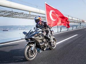 Kawasaki Ninja H2R establece récord de aceleración de 0 a 400 km/h