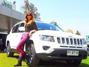 Jeep junto a María José Prieto