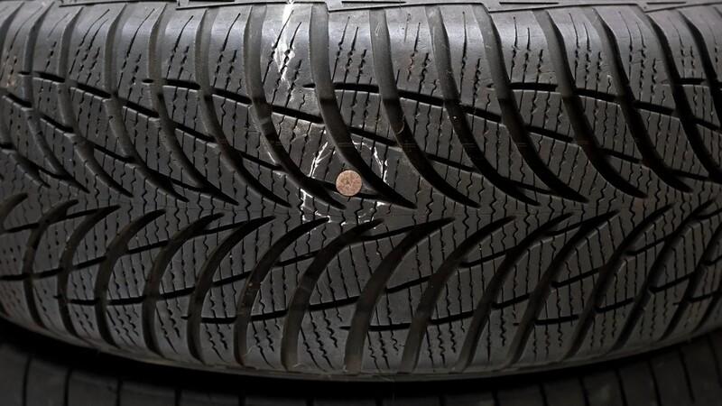 ¿En qué casos puedo arreglar el neumático pinchado?