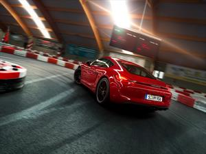 Video: Porsche Cayman GTS en una pista de karts
