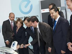 Nissan inaugura la primera estación de carga rápida para vehículos eléctricos en América Latina