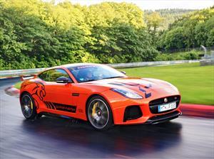 Podés sentir la furia de Nürburgring un Jaguar F-Type SVR
