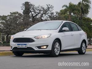 Ford Focus agrega versión automática y más equipamiento