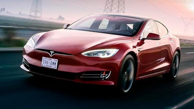 Tesla Model S es certificado por la EPA con 647 Km de autonomía