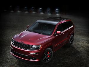 Jeep Grand Cherokee SRT Night, poder con mucho estilo