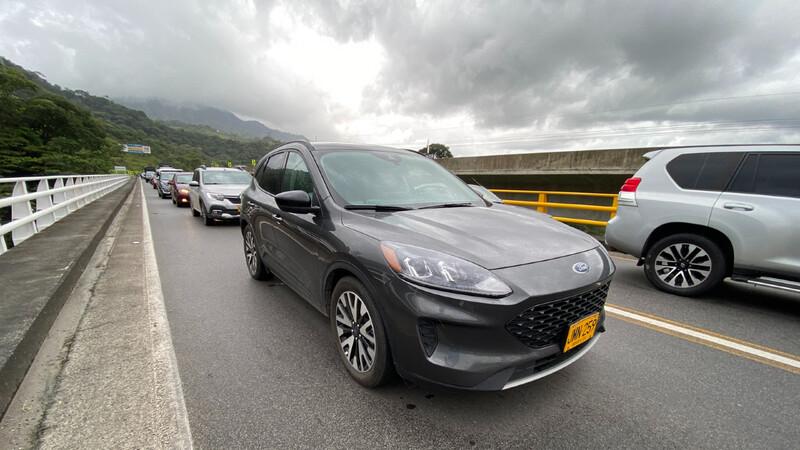 Ford Escape SE Hybrid 2021, prueba de manejo a un familiar con mucha autonomía