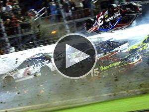 Impactante accidente en la NASCAR Sprint Cup Series 2015