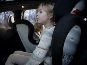 Volvo presenta nueva colección de auto asientos para niños