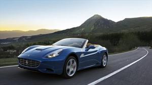 Ferrari presenta una California mejorada en Ginebra 2012