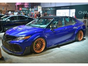 Toyota trae una serie de Camry personalizados al SEMA Show 2017