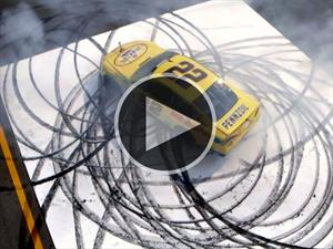 Video: Un minuto de donas patrocinado por un piloto de NASCAR
