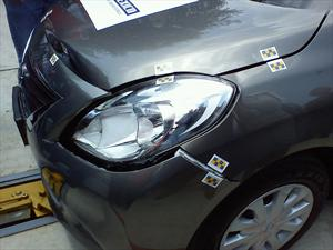 Cesvi México realiza prueba de choque frontal del Nissan Versa 2 2012