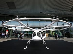 Video: Daimler Volocopter 2X, de A a B cruzando el cielo