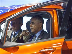 Obama asiste al AutoShow de Detroit 2016